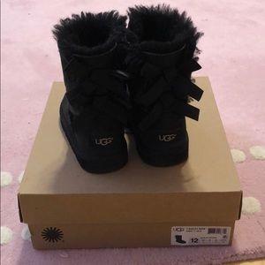 UGG Bailey Bow girls size 12